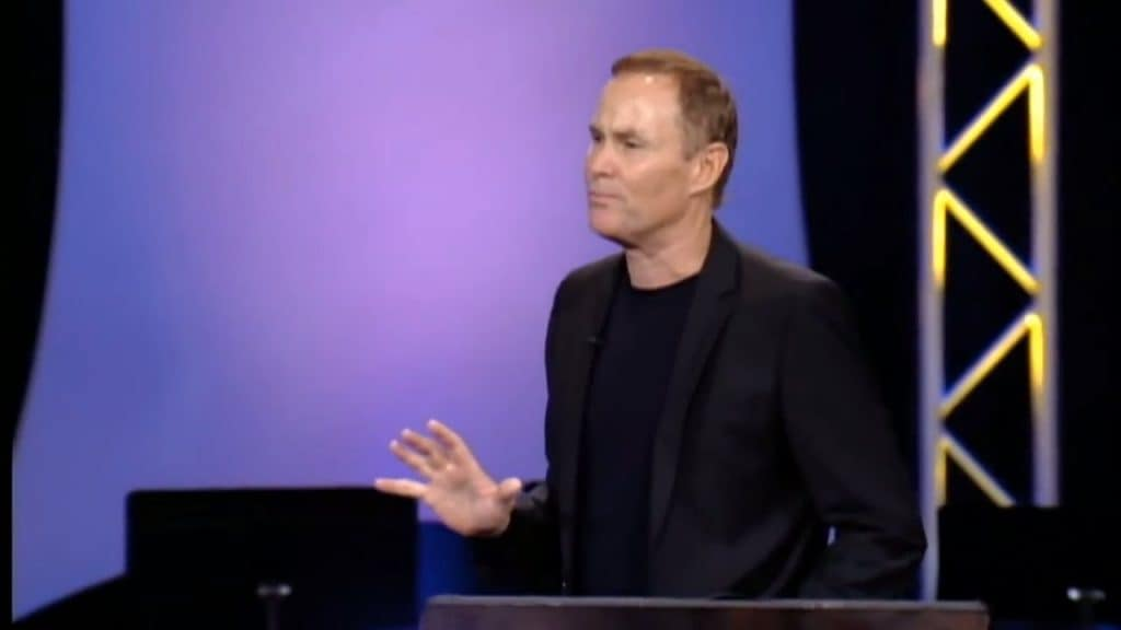 Bayless Conley während Predigt